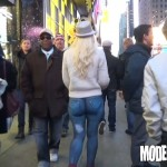 "Prin New York ""imbracata"" in blugi pictati (VIDEO)"
